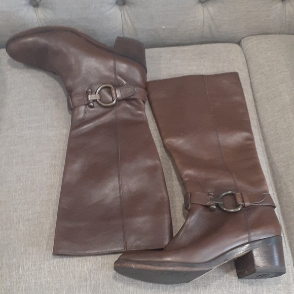 Coach brown leather boots size 9.5B